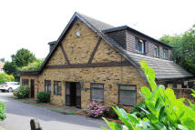 Detached home in Rayleigh Road, Hutton...