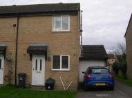 semi detached home to rent in 35 Mayfield Close...