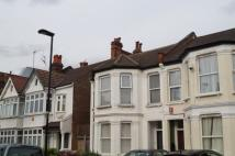 2 bedroom Flat to rent in Palmerston Road London