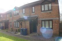 Maisonette to rent in Pendall Close, Barnet