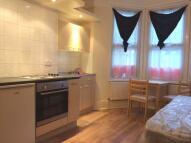 Studio apartment in Carlingford Road...