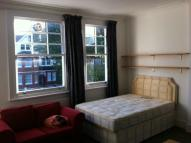 Studio apartment to rent in Dartmouth Road, London...
