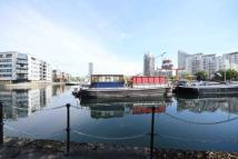 Flat to rent in Landons Close, London...
