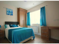 Studio apartment in Wakefield Road...