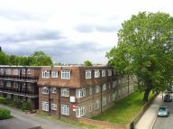 Flat to rent in Park Hall Road...