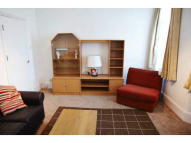 Flat to rent in Sutton Lane, Hounslow...