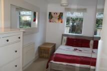 2 bedroom Ground Flat to rent in Blackheath Road, London...