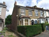 3 bed semi detached house to rent in Tharp Road, Wallington...
