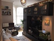 Mattock Lane Flat to rent
