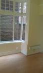 Studio flat in High Street, Stourbridge...