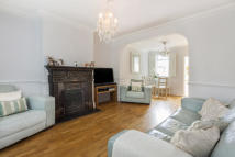 2 bedroom Terraced house in The Ridgeway, Botany Bay...