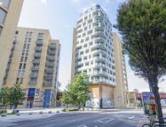 1 bedroom Flat to rent in Loampit Vale, London...
