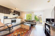 2 bedroom Flat in Saltoun Road, London, SW2