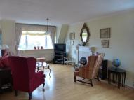2 bedroom Flat to rent in Queens Road...