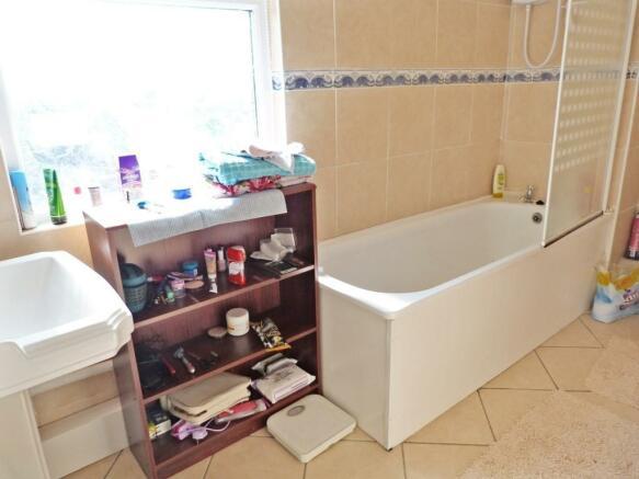 Bathroom - one bed flat