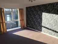 Flat to rent in Holdbrook Way...