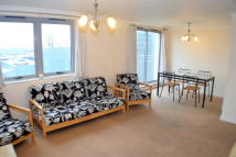 3 bed Flat to rent in Drummond Road, Croydon...