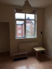 Studio flat to rent in Harley Road, Sale, M33