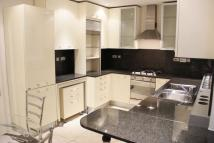3 bed Apartment to rent in Holbeach House...