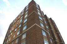 Flat in Park Avenue, Ilford...