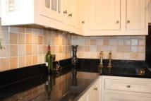 5 bedroom Detached property for sale in STRADBROKE GROVE, Ilford...