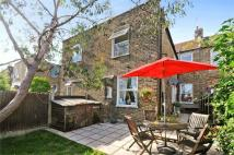 2 bed Flat to rent in Harvist Road, London