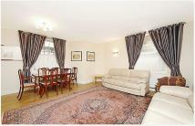 Apartment to rent in Manor House Court...
