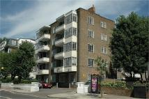 Apartment in Kingswood Court...