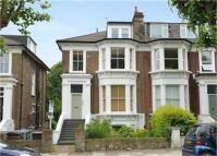 Apartment to rent in Cavendish Road, Kilburn...