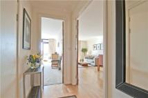 Flat to rent in Star Place Tower Hill