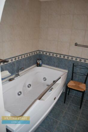 Bdrm3 ensuite bath