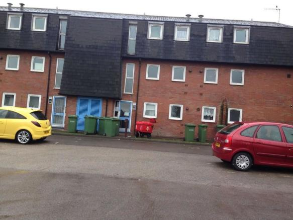 1 bedroom flat to rent in horse fair rugeley for Best bathrooms rugeley