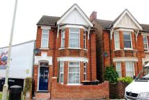 5 bed semi detached house to rent in Castle Road, Bedford