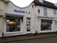 property to rent in Market Place,