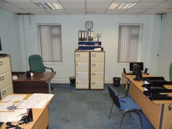 Ist floor office2.jp
