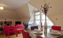 2 bedroom Flat in 2 Bed Penthouse Serviced...