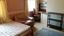 3 bed Flat to rent in MUCH PARK STREET...