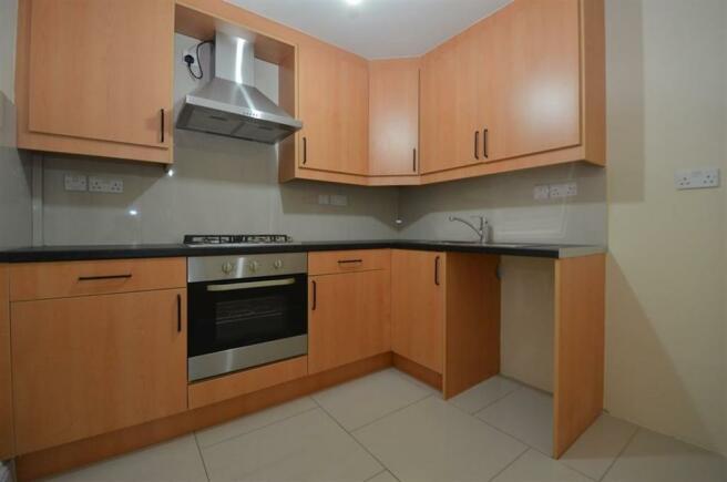 Picture 12 bedroom flat to rent in Crossley Mead  Bath Road  Heathrow  TW5  TW5. Rooms To Rent Bath Road Heathrow. Home Design Ideas