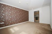 2 bed Flat to rent in Crispin Way, Hillingdon...