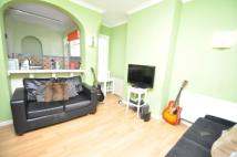 Flat to rent in Wyndcliff Road Charlton...