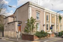Flat for sale in Woodland Terrace London...