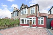 4 bed semi detached house in Linchmere Road Lee SE12