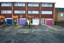 4 bed property to rent in Hamlea Close Lee SE12