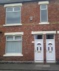 Flat to rent in Charles Street...