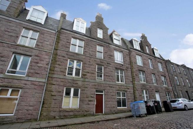 1 Bedroom Ground Floor Flat For Sale In 19a Baker Street