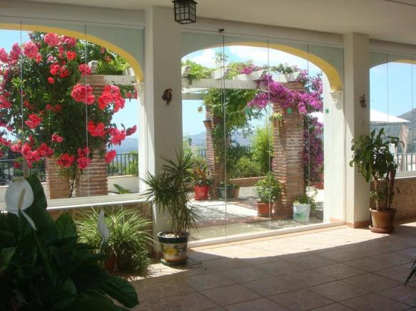 glazed terrace (c)