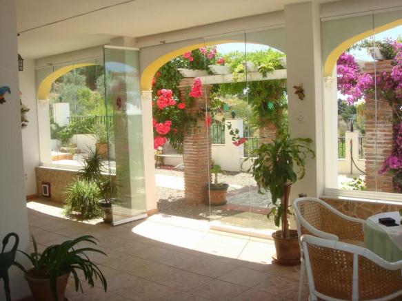 glazed terrace (e)