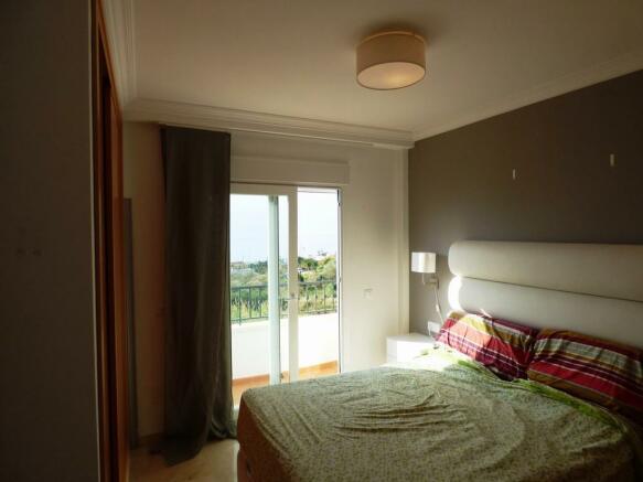 Bed 1 (a)