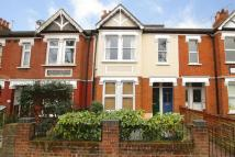 3 bedroom Flat in Ealing Park Gardens...