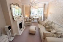 2 bed Flat to rent in Elmhurst Court...